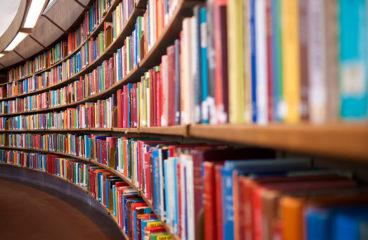 Много ли можно сэкономить на чтении книг?
