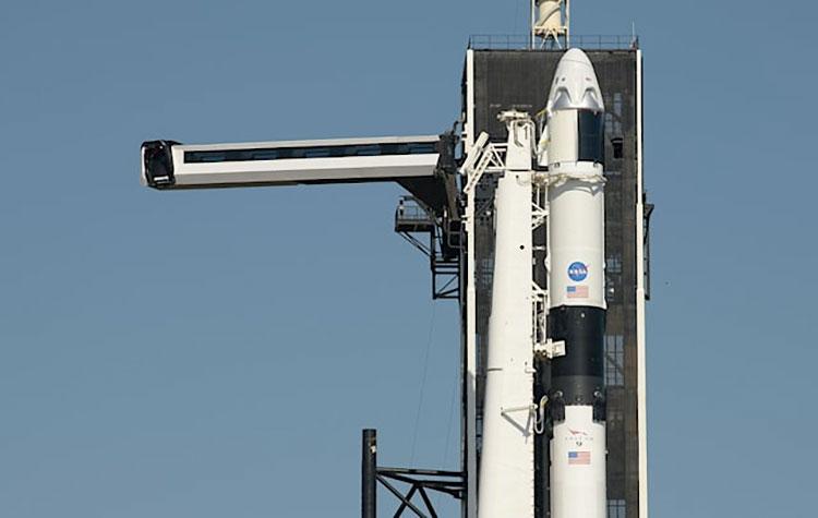 Впервые с 2011 года NASA и SpaceX запустят астронавтов с территории США. Маск снова крут